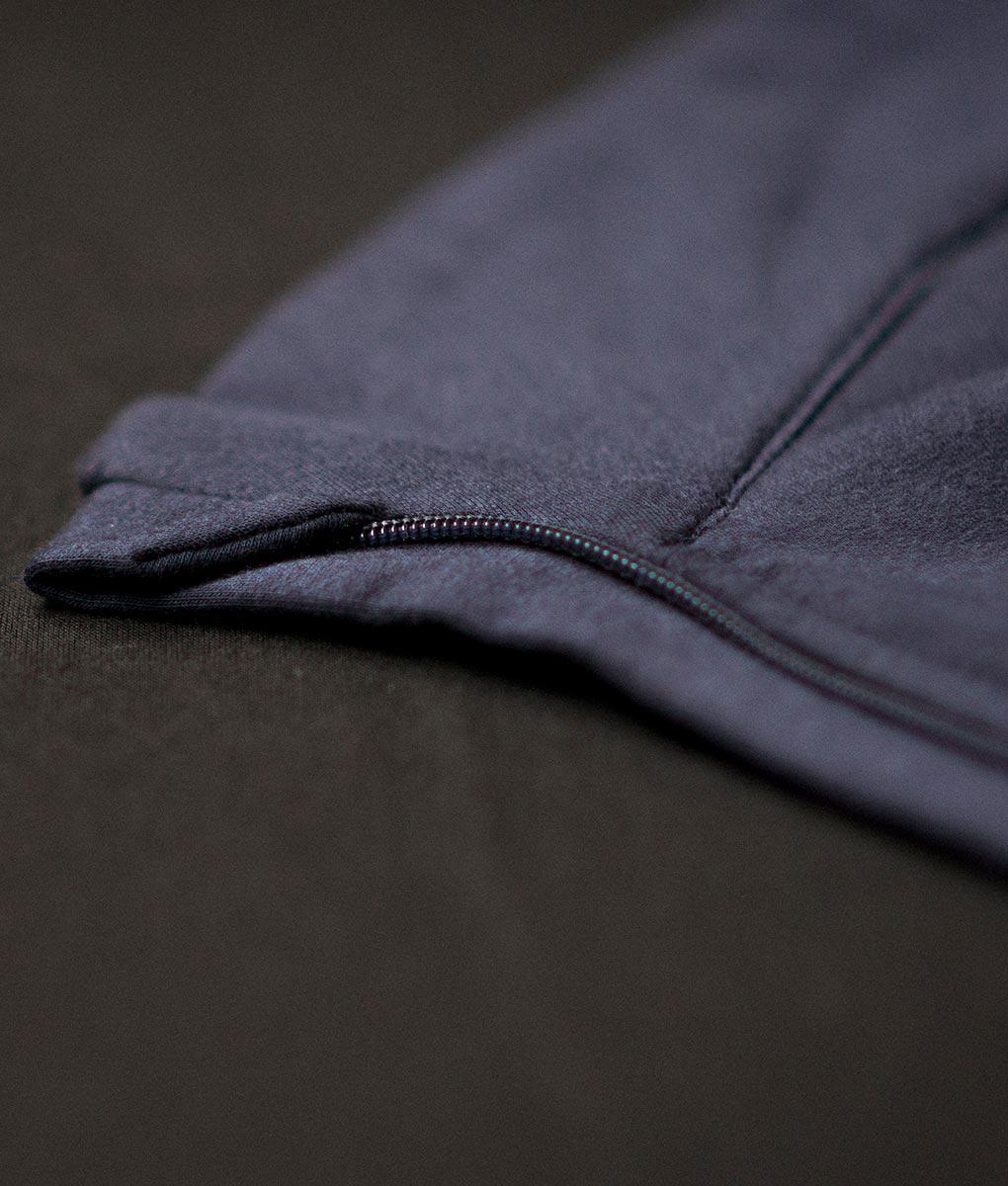 casual-cycling-blue-high-collar-jacket-detalle-cremallera