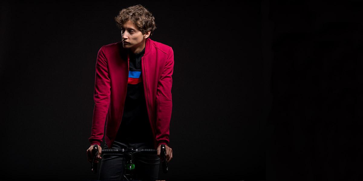 casual-cycling-w17-red-sweatshirt