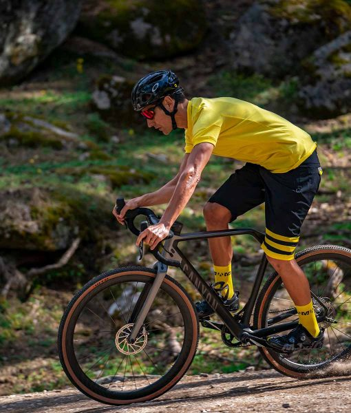 Casual-Cycling-camiseta-gravel-yellow