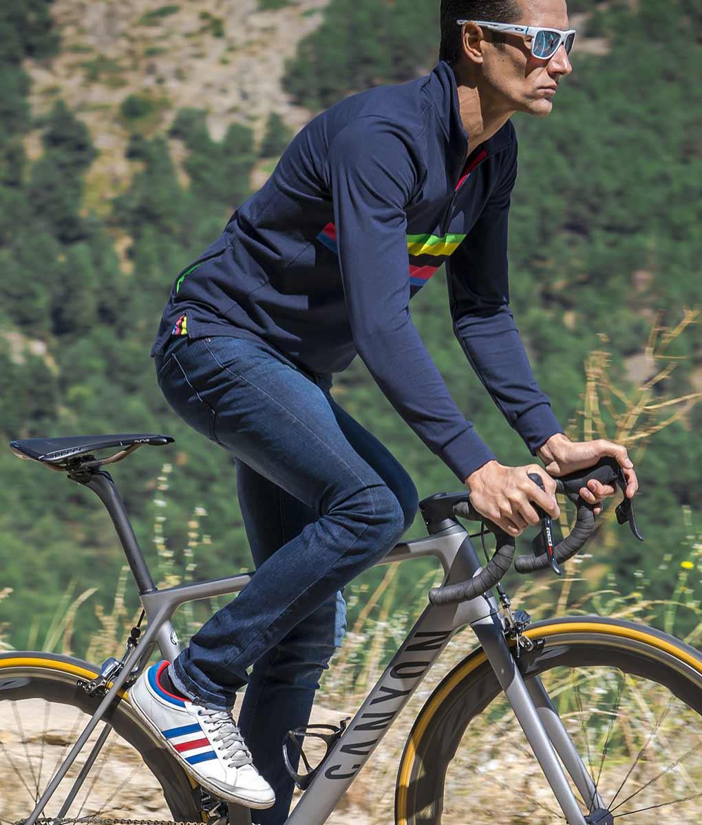 casual-cycling-WC-bike