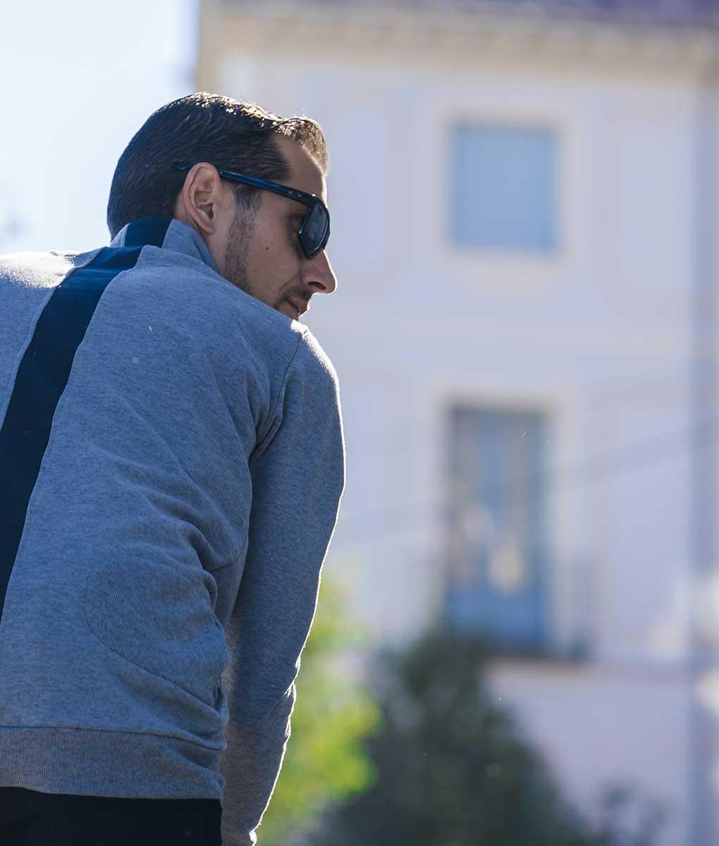 casual-cycling-Merino-Sweatshirt-grey-outside2