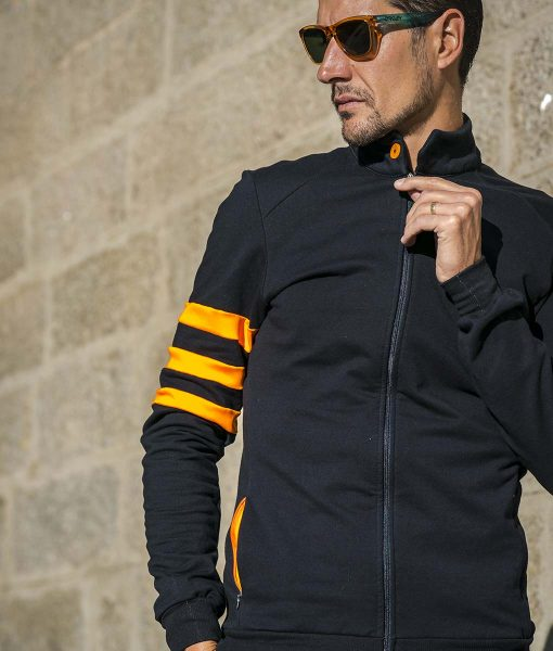 casual-cycling-jacket-fluor-black-front wall