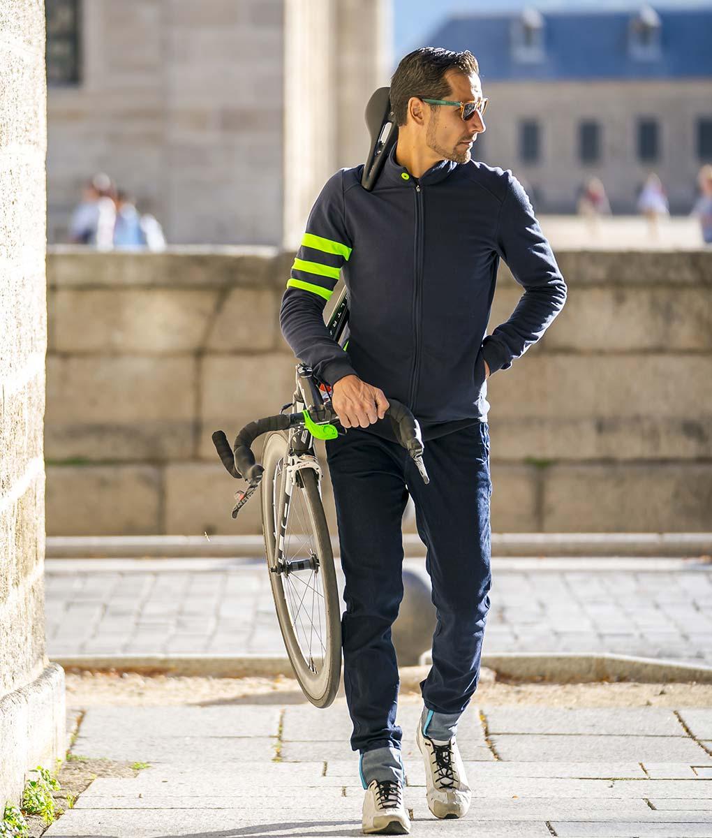 casual-cycling-jacket-fluor-dark-blue-front-bike
