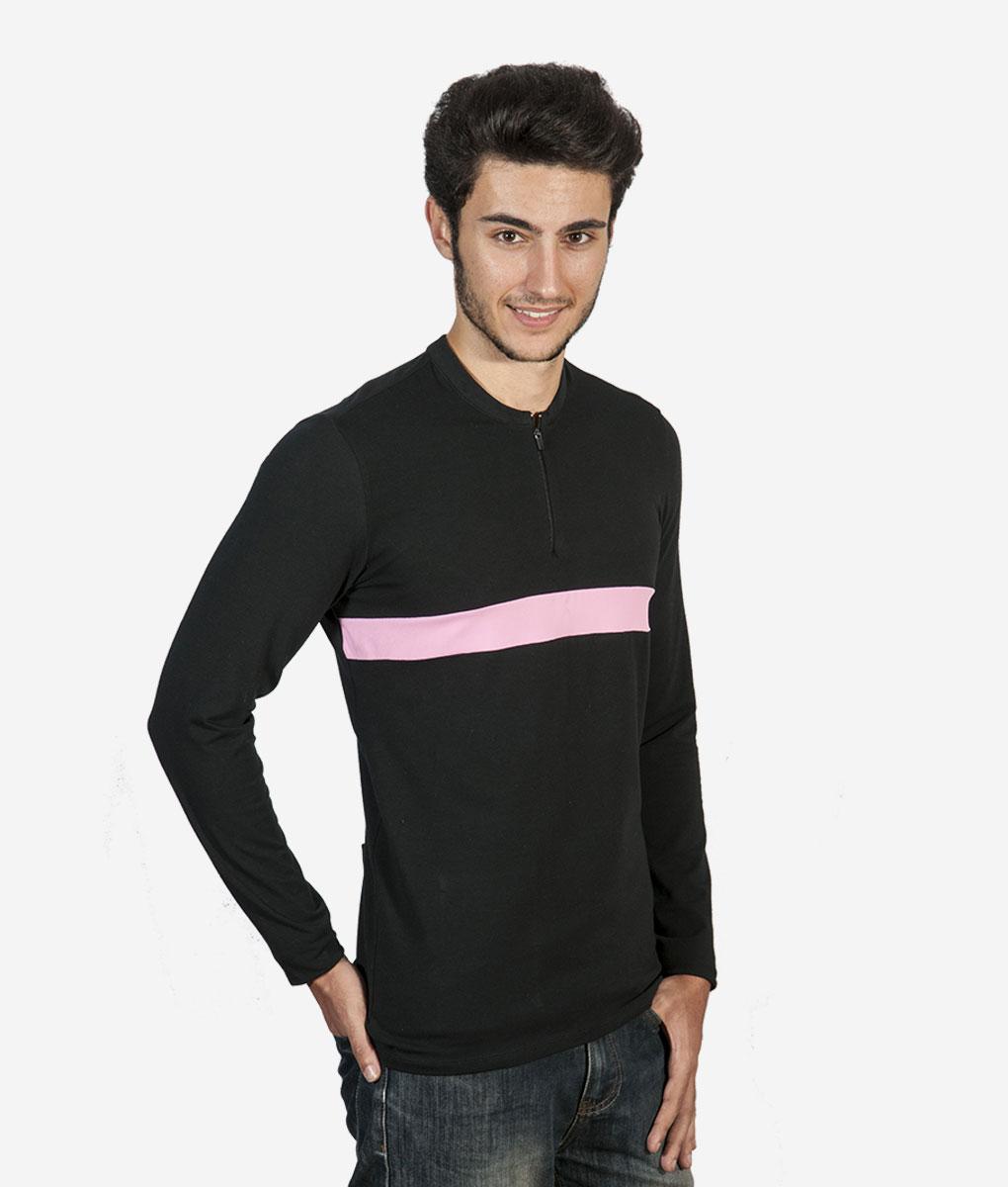 camiseta-negra-rosa-lateral
