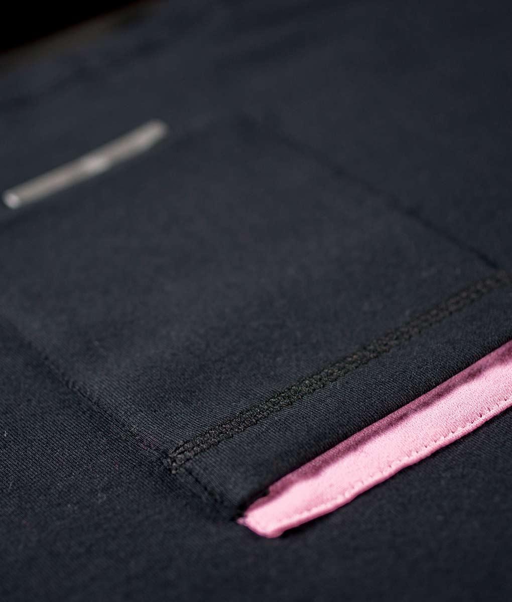 camiseta-negra-rosa2