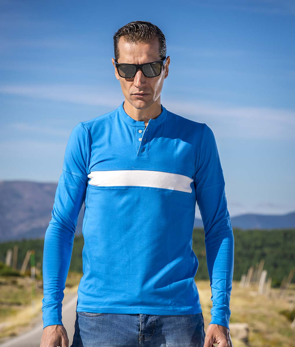 casual-cycling-classoc-blue-tee-exterior-front