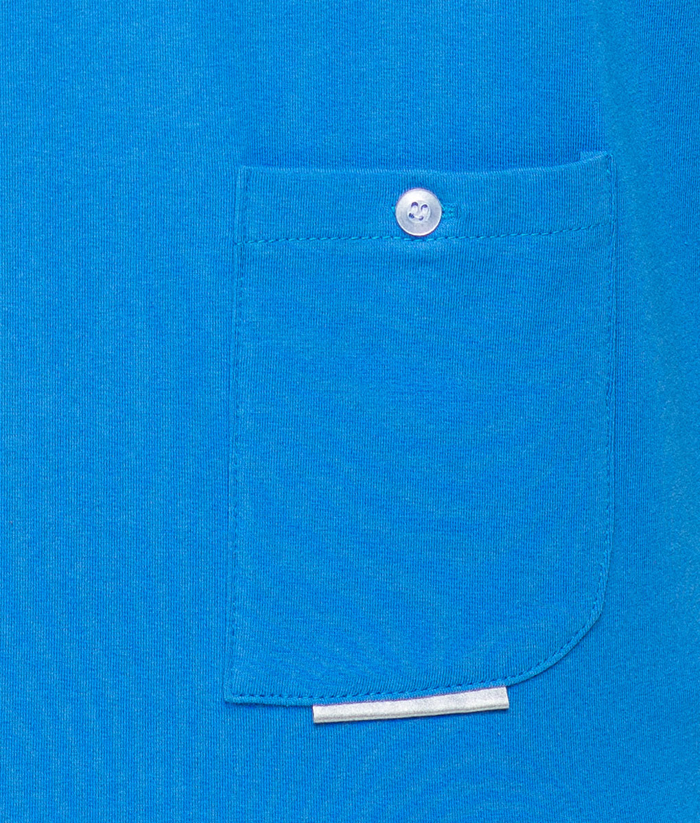 casual-cycling-clothing-button-blue-tee-pocket-detail