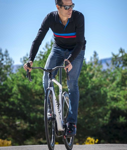 casual-cycling-polo-sport-bici