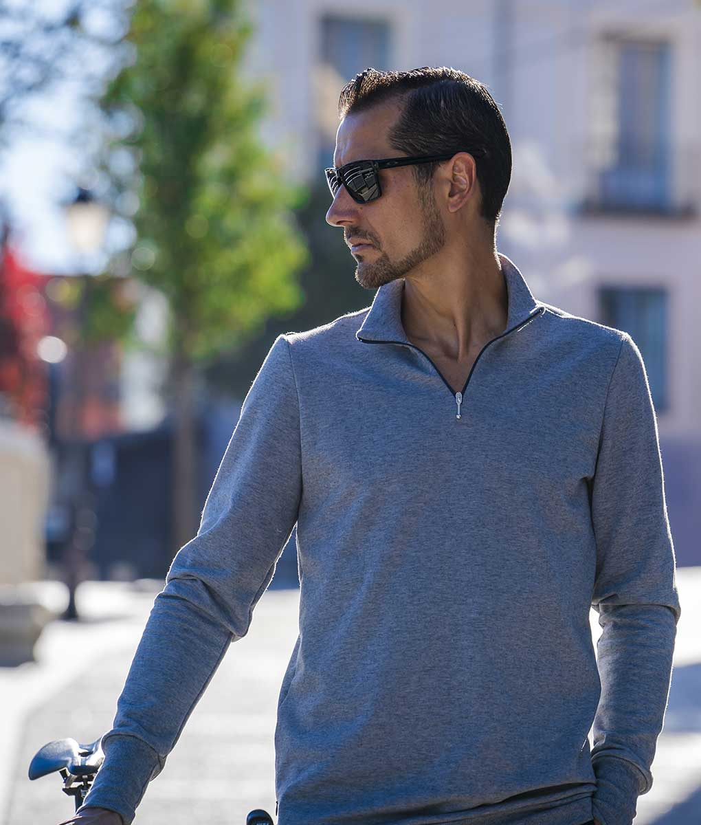 casual-cycling-Merino-Sweatshirt-grey-outside1
