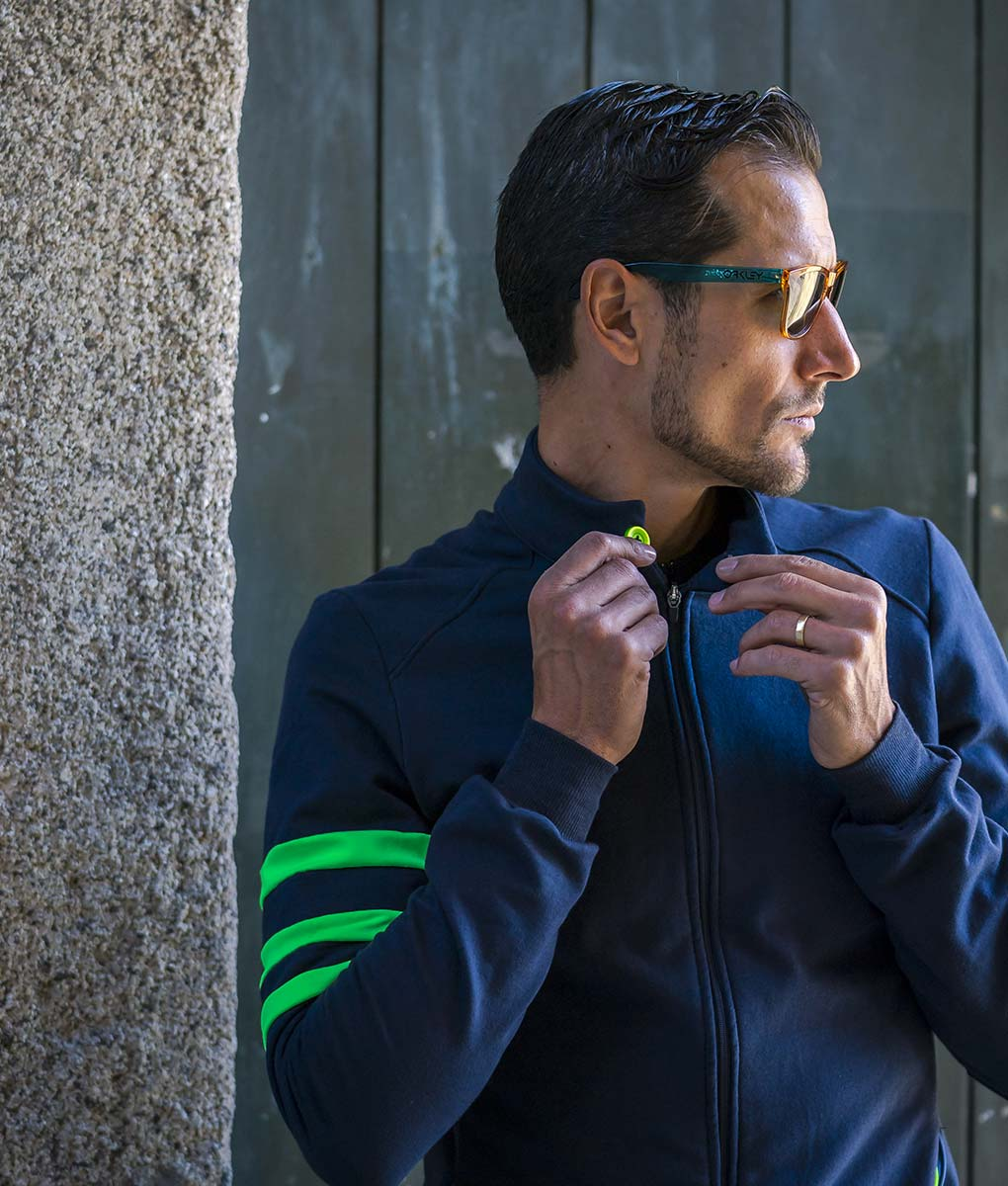 casual-cycling-chaqueta-fluor-verde-front-medio