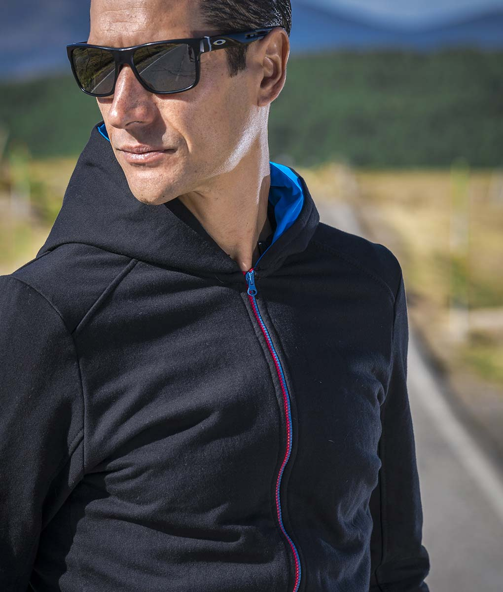 casual-cycling-jacket-transparent-outside-front